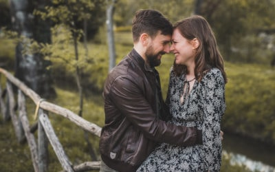 An engagement session with a british mood in Bologna
